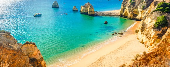 Behind-The-Scenes in Algarve: 5 Keys to Transform Your Business Trip into a Dream Travel
