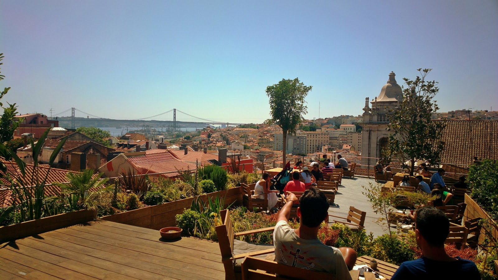 Incentive-travel-ideas-best-rooftop-bars-in-portugal-2